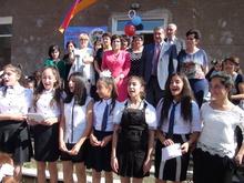 Շիրակի մարզպետը սեպտեմբերի մեկին այցելել է Ամասիայի միջնակարգ դպրոց