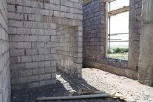 Շարունակվում են Մեղրաշեն համայնքի հանդիսությունների սրահի կառուցման աշխատանքները